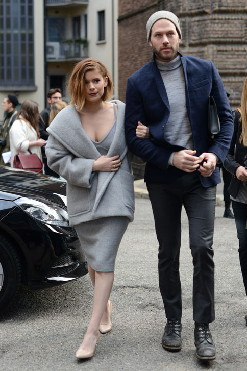Kate Mara, vincitrice del premio Women In Film Max Mara Face of the Future Award® 2015, in prima fila alla sfilata Max Mara Autunno-Inverno 15-16, il 26 Febbraio 2015.