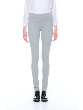 Pantaloni skinny piatti