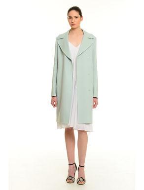 Cappotto di lana cucito a mano