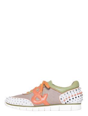 Sneakers di pelle con borchie