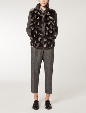 Knit shirt with fur appliqué