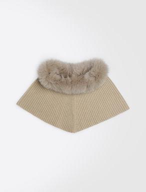 Mini cape with a fur collar