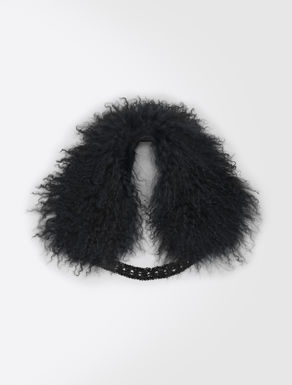 Fur collar with embroidery