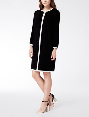 Stretch dress with contrasting piping