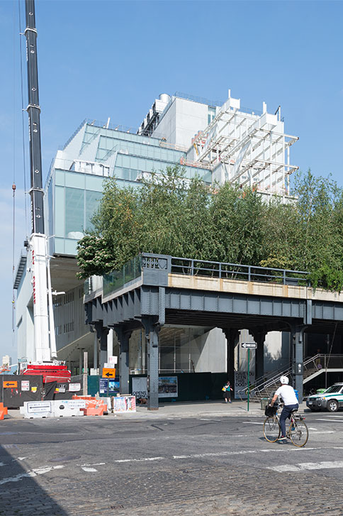 建設途中のホイットニー美術館<br> クレジット:ティモシー・シェンク - ホイットニー美術館の許可により転載