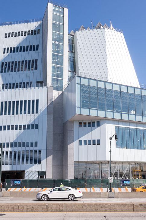 傑出したアーキテクチャー<br> ホイットニー美術館のイーストサイドからの眺め<br> クレジット:ティモシー・シェンク - ホイットニー美術館の許可ににより転載