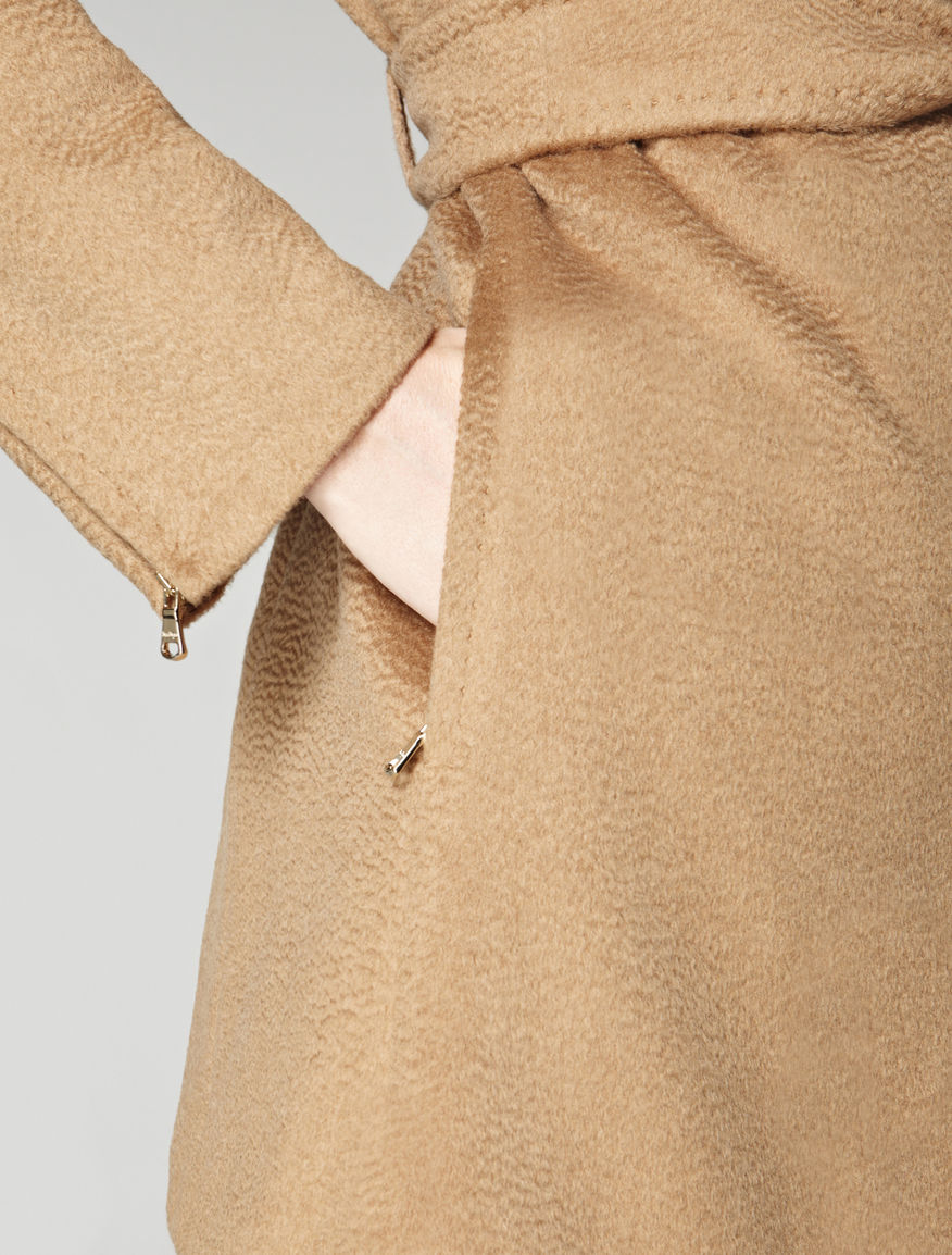 Pure camel waterproof coat