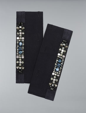 Cuffs embroidered with rhinestones
