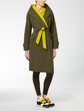 Reversible faille raincoat
