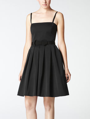 Dress with bow on waistline