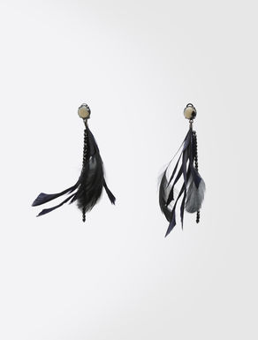 Earrings with feathers
