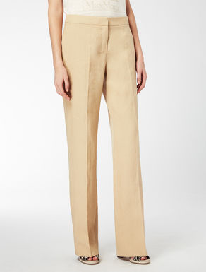 Loose-fitting linen trousers