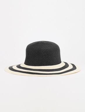 Chapeau en papier tissé
