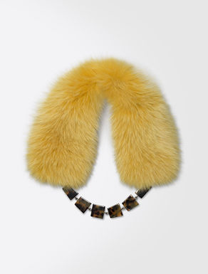 Fox fur neck