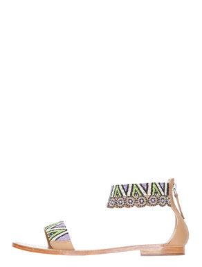 Sandali di pelle con ricamo di perline