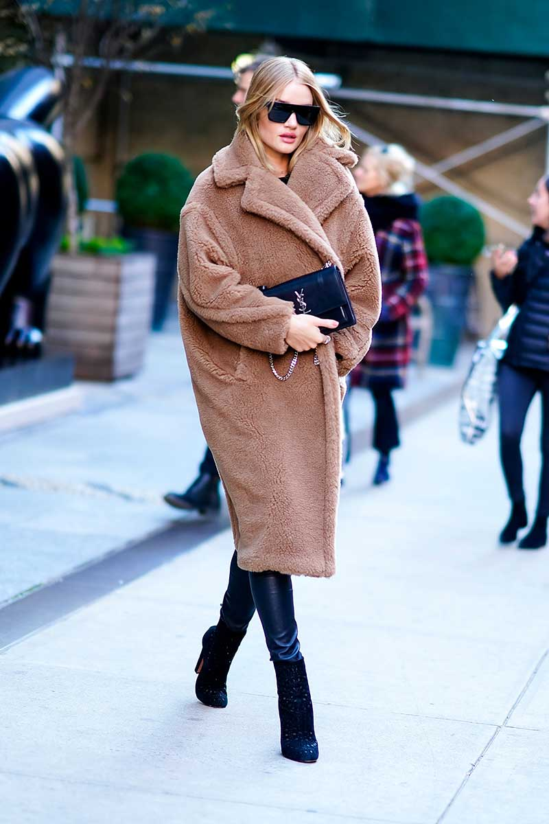 022 Max Mara Teddybear Coat Rosie Huntington Whiteley (web Rights June 2018 To June 2019) Max Mara