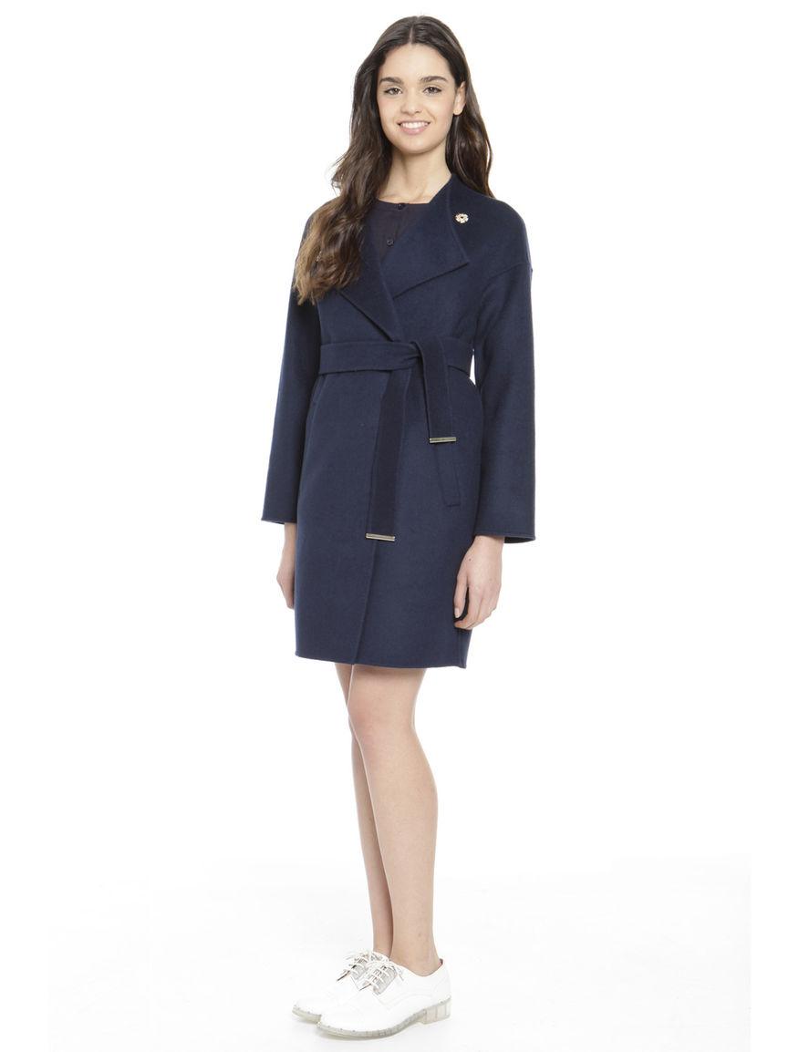 Cappotto in lana con cintura