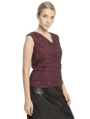 Top in lana tinto filo