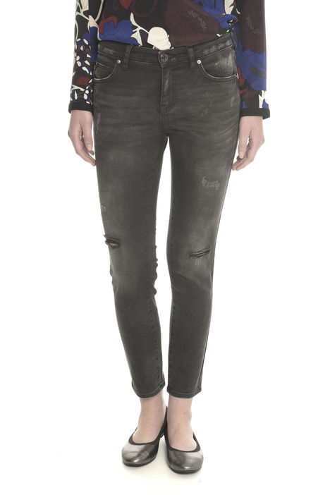 Pantaloni in denim con strappi