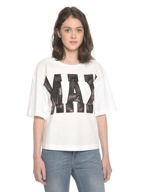 T-shirt con maxi patch