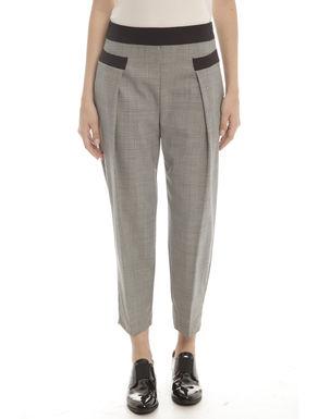Pantaloni con pieghe
