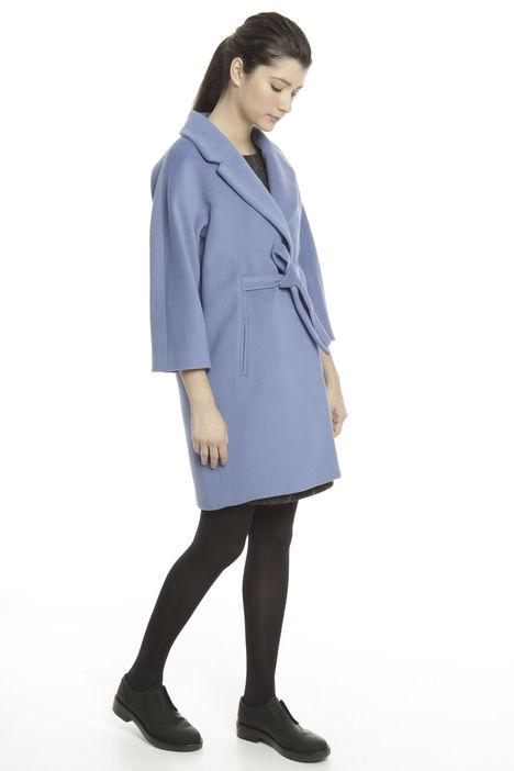 Cappotto con cintura in lana