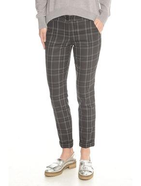 Pantaloni con risvolto