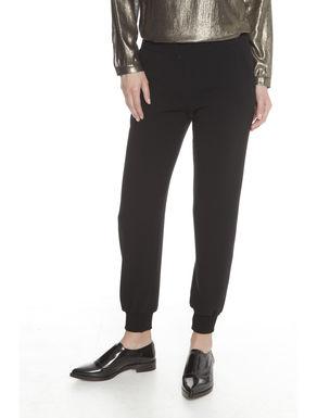 Pantaloni con fondo stretto