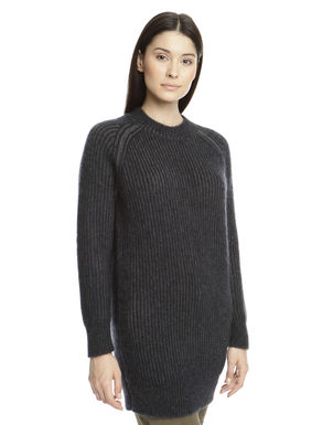 Maglia in mohair a coste