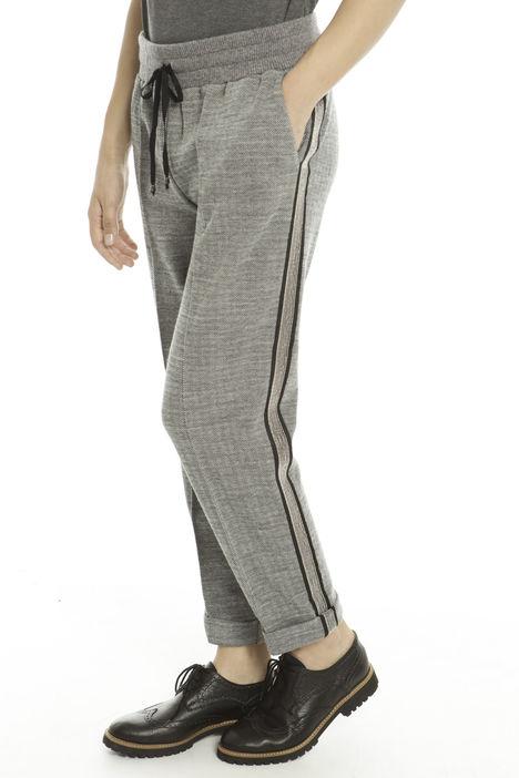 Pantaloni stile jogging