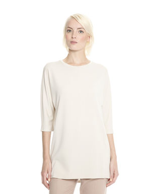 T-shirt over stretch