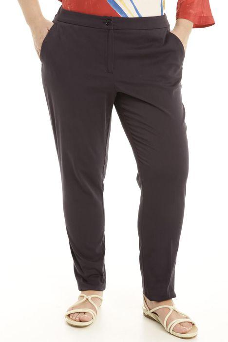 Pantalone slim fit in raso