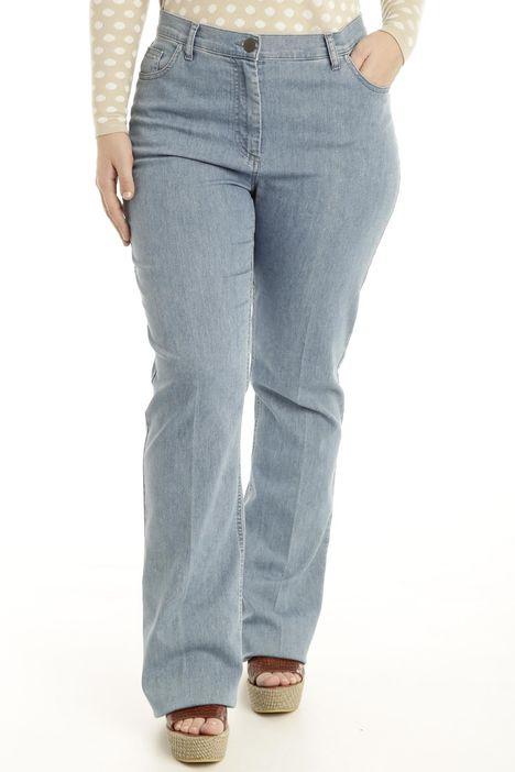 Jeans svasato sul fondo