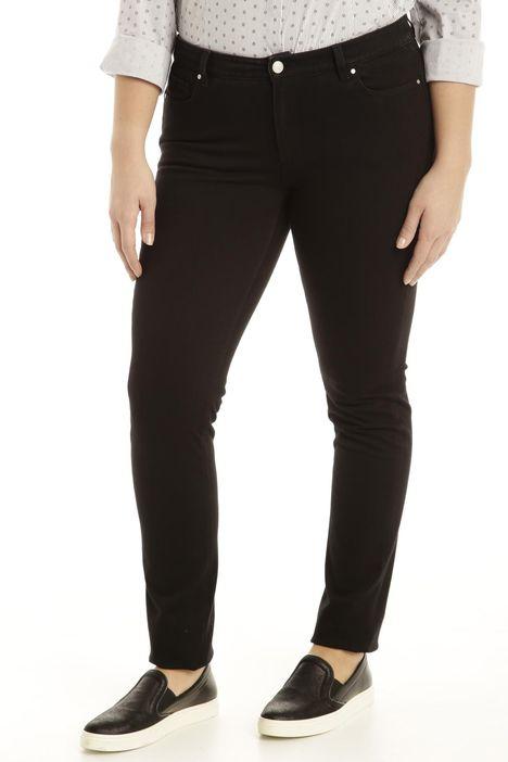 Jeans aderenti con tagli