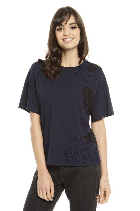 T-shirt a spalla scesa