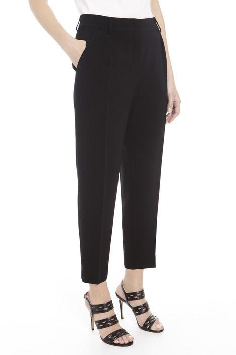 Pantaloni con tasca multipla