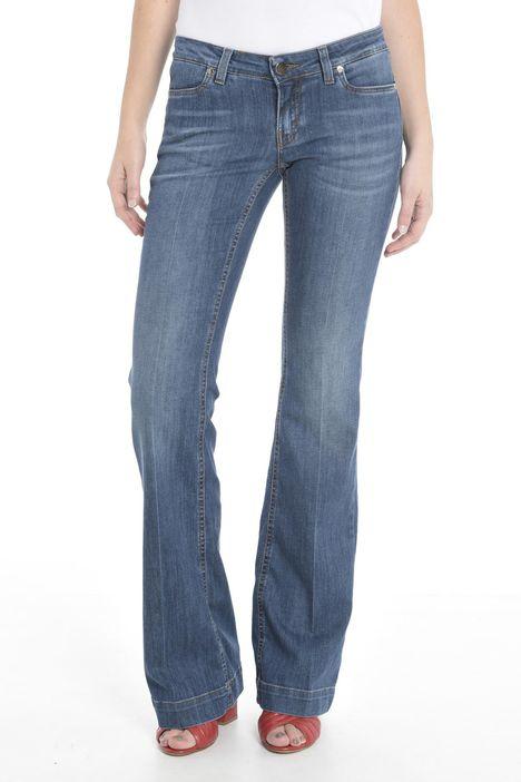 Jeans con fondo gamba largo