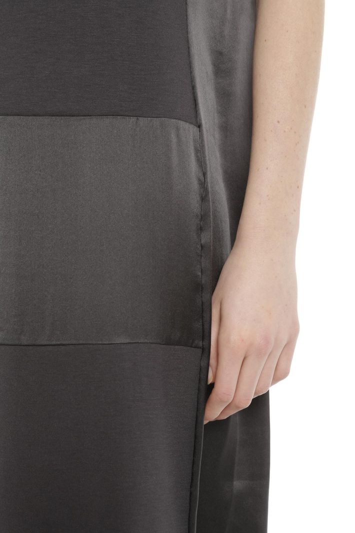 Abito di grigio seta scuro in e e jersey raso Abito jersey grigio seta raso in di 7dqwxX76