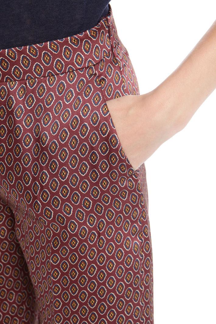 Pantalone cropped in twill stampato Fashion Market