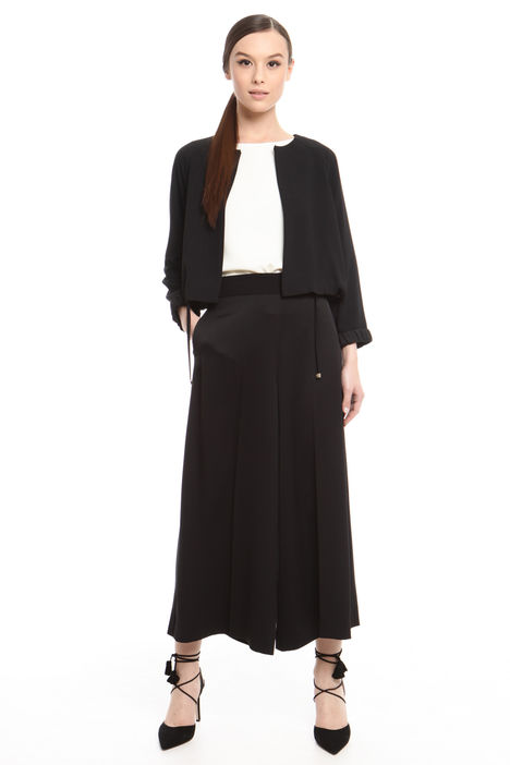 Giacca boxy in crepe Intrend