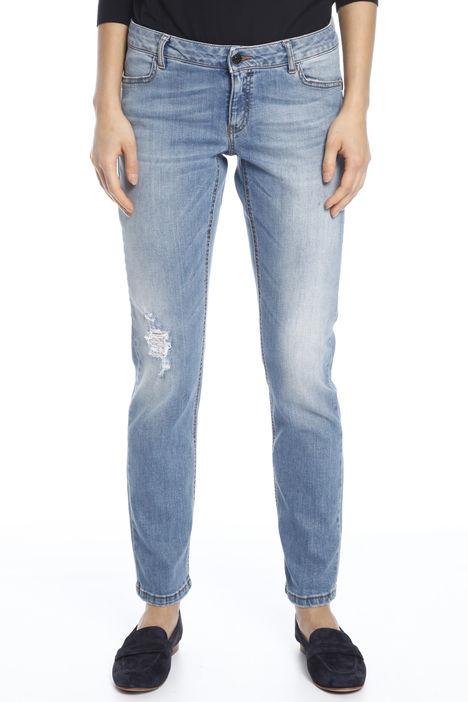 Jeans con strappo Intrend