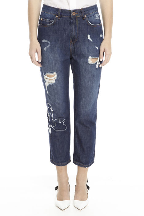 Jeans con strappo e ricamo Diffusione Tessile