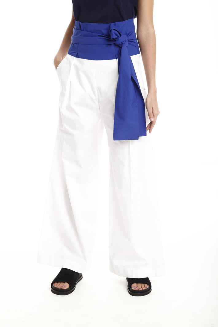 f20c7f4354fa Pantaloni colorblock vita alta, bianco blu - Intrend