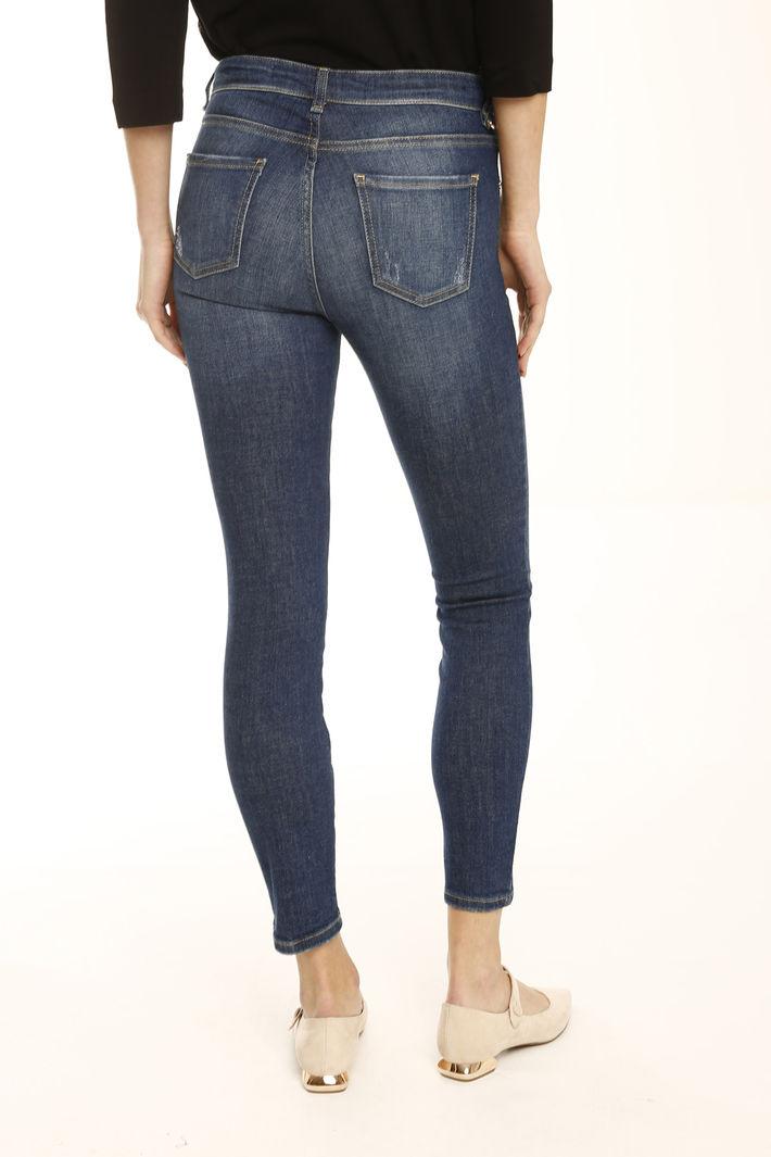 Jeans aderenti con strappo Diffusione Tessile