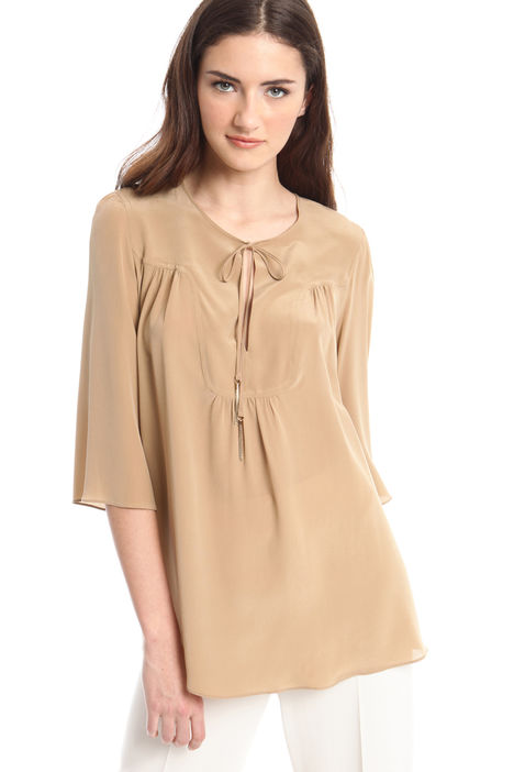 Blusa in crepe satin Intrend