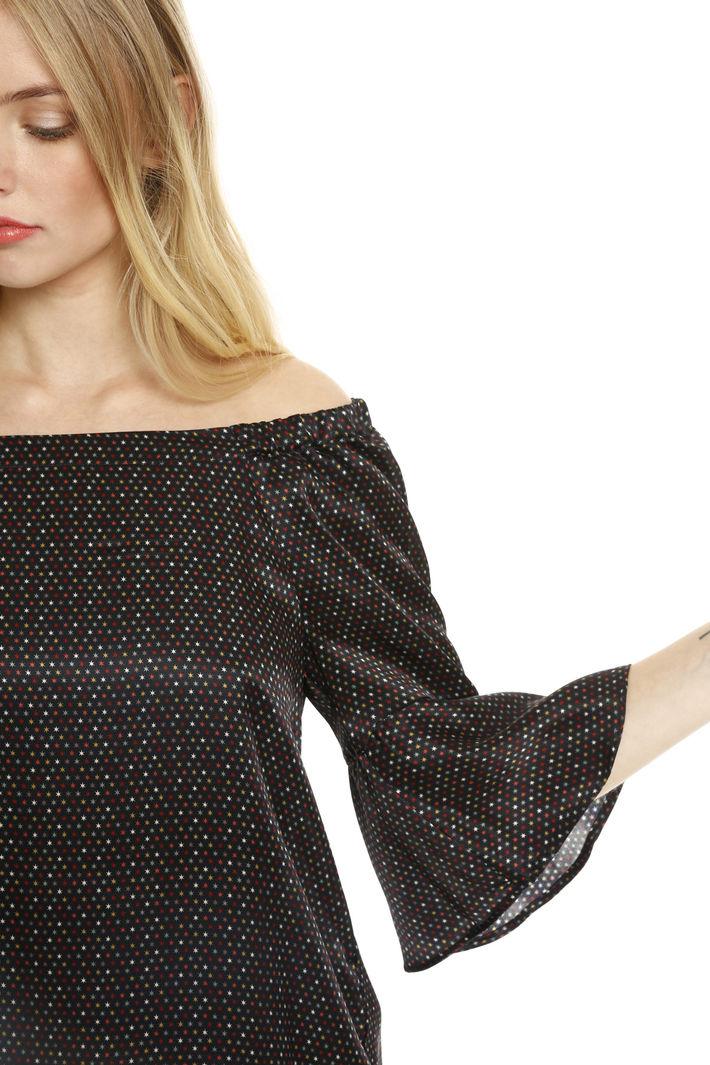 Blusa con scollo ampio Fashion Market