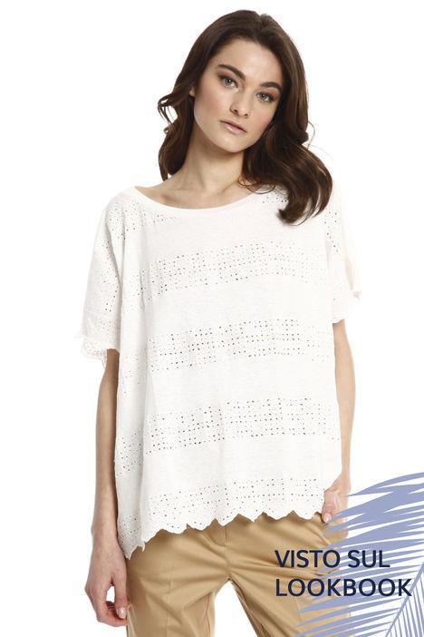 T-shirt con dettagli sangallo Intrend
