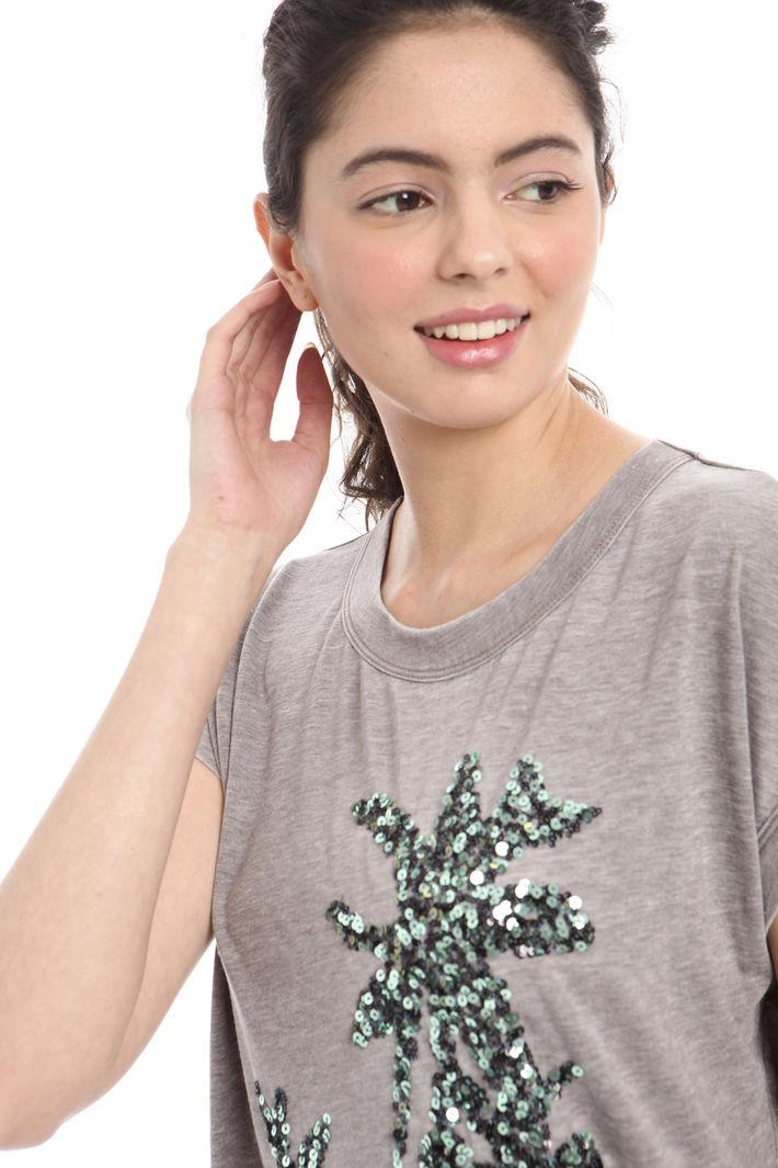 T-shirt ricamata Fashion Market