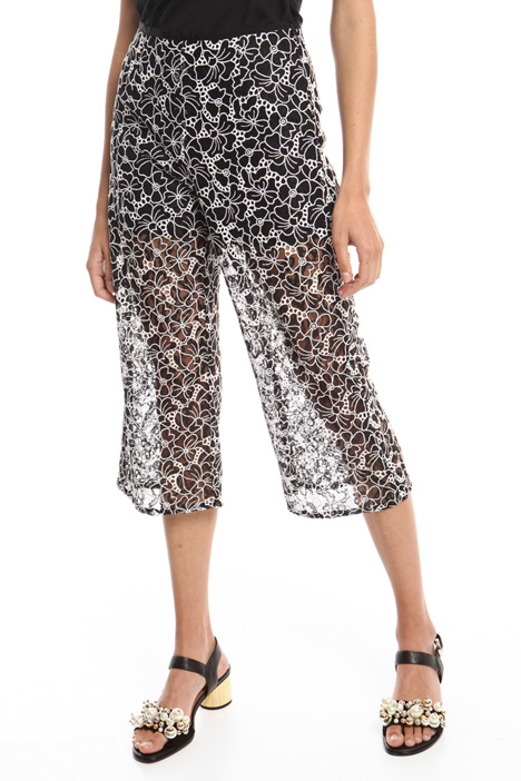 Embroidered lace trousers Intrend