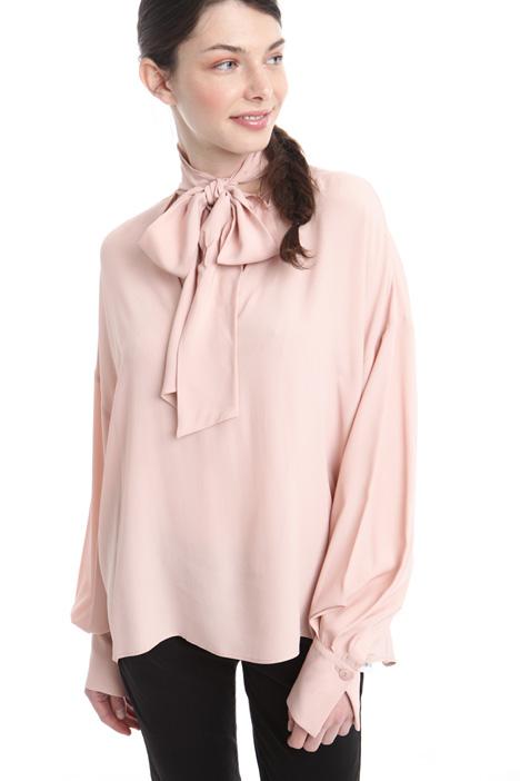 Blusa con collo a sciarpa Diffusione Tessile
